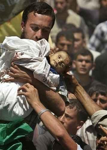 نوزاد شهید در فاجعه غزه
