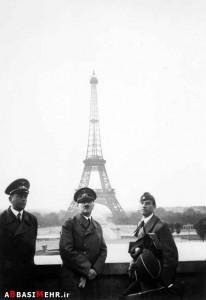 عکس یادگاری آدلف هیتلر با برج ایفل - فرانسه در اشغال آلمان نازی - 1940